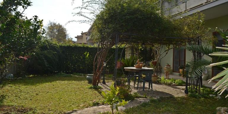 realizza-casa-collecorvino-appartamento-con-giardino-garage-cantina-27