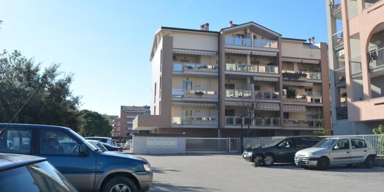realizza-casa-montesilvano-centro-appartamento-5-locali-garage-e-posto-auto-01