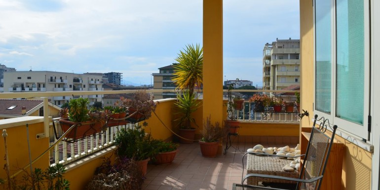 realizza-casa-pescara-portanuova-via-dei-peligni-attico-panoramico-029
