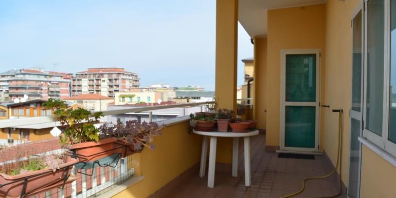realizza-casa-pescara-portanuova-via-dei-peligni-attico-panoramico-033