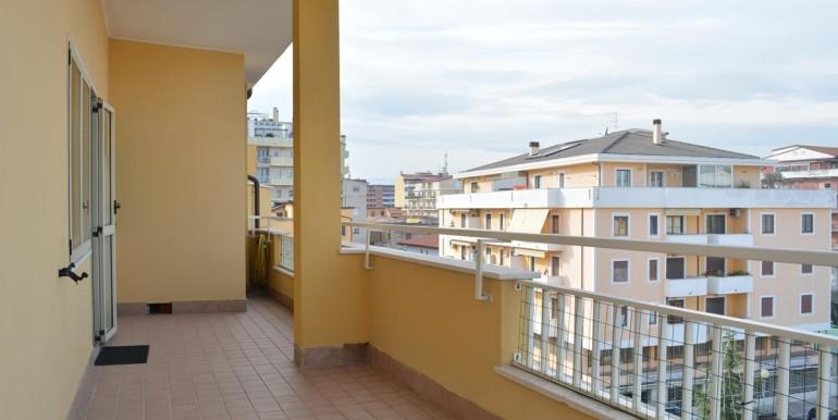 realizza-casa-pescara-portanuova-via-dei-peligni-attico-panoramico-039