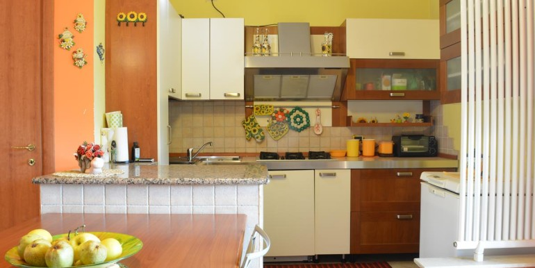 realizza-casa-roseto-appartamento-3-camere-garage-e-giardino-007