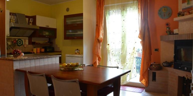 realizza-casa-roseto-appartamento-3-camere-garage-e-giardino-008