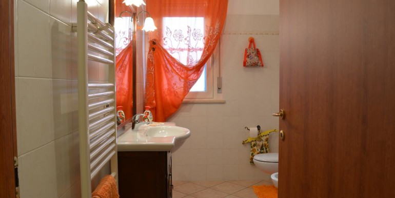 realizza-casa-roseto-appartamento-3-camere-garage-e-giardino-023