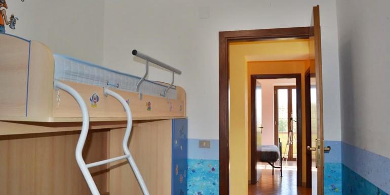realizza-casa-alanno-bifamiliare-con-giardino-028