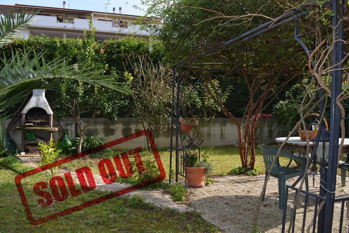 VENDUTO Collecorvino Appartamento 3 locali giardino garage cantina