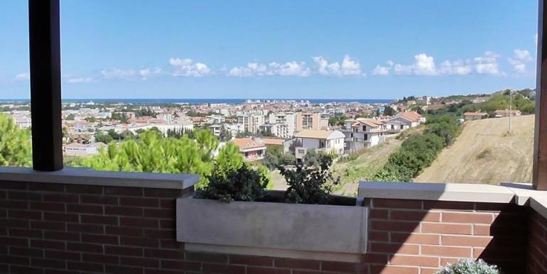 realizza-casa-montesilvano-villa-bifamiliare-con-piscina-013