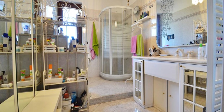 realizza-casa-montesilvano-villa-bifamiliare-con-piscina-020