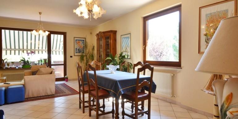 realizza-casa-montesilvano-villa-bifamiliare-con-piscina-029