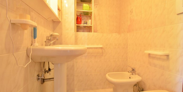 realizza-casa-montesilvano-villa-bifamiliare-con-piscina-039