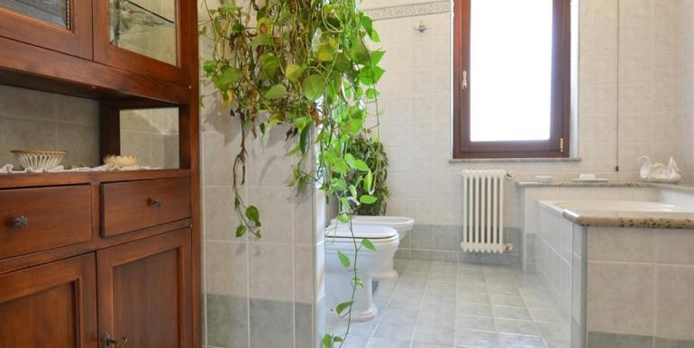 realizza-casa-montesilvano-villa-bifamiliare-con-piscina-044