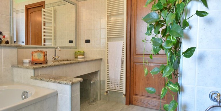 realizza-casa-montesilvano-villa-bifamiliare-con-piscina-045