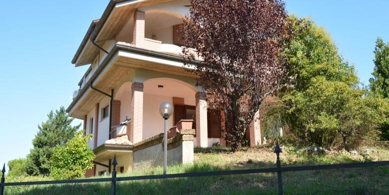 realizza-casa-montesilvano-villa-bifamiliare-con-piscina-055