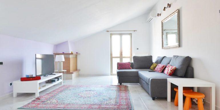Realizza Casa - Montesilvano Zona Bingo Appartamento Mansardato 01