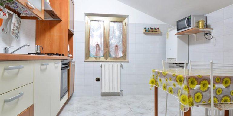 Realizza Casa - Montesilvano Zona Bingo Appartamento Mansardato 06