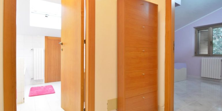 Realizza Casa - Montesilvano Zona Bingo Appartamento Mansardato 10