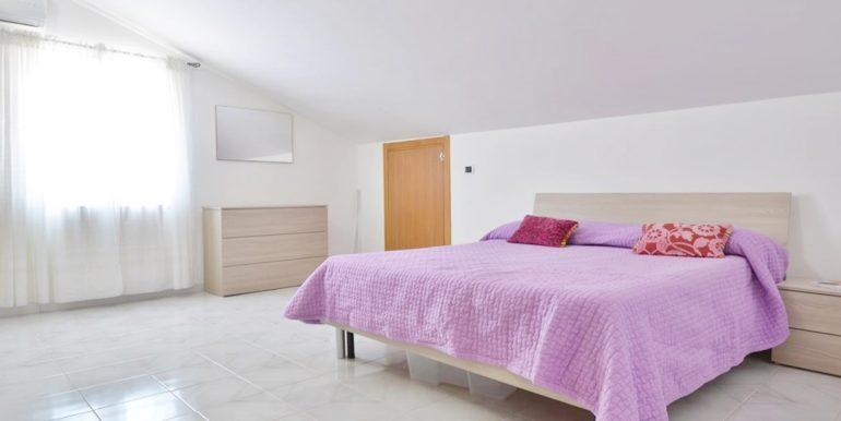 Realizza Casa - Montesilvano Zona Bingo Appartamento Mansardato 11