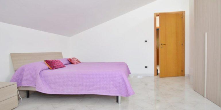 Realizza Casa - Montesilvano Zona Bingo Appartamento Mansardato 12