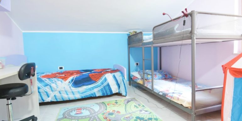 Realizza Casa - Montesilvano Zona Bingo Appartamento Mansardato 16