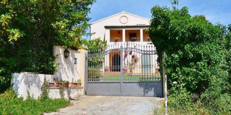 Realizza Casa - Spoltore Villa Signorile 01
