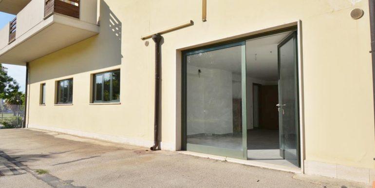 Realizza Casa - Montesilvano Locale Commerciale Via Verrotti 05