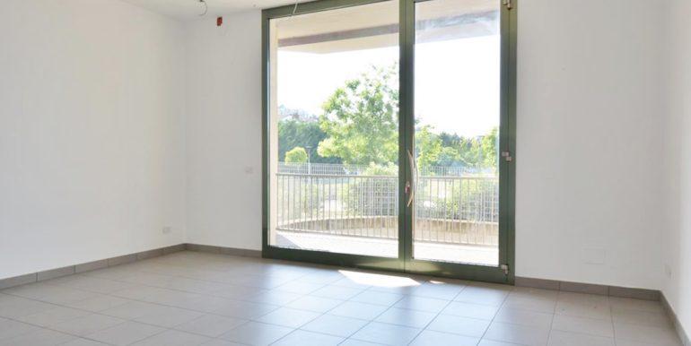 Realizza Casa - Montesilvano Locale Commerciale Via Verrotti 06