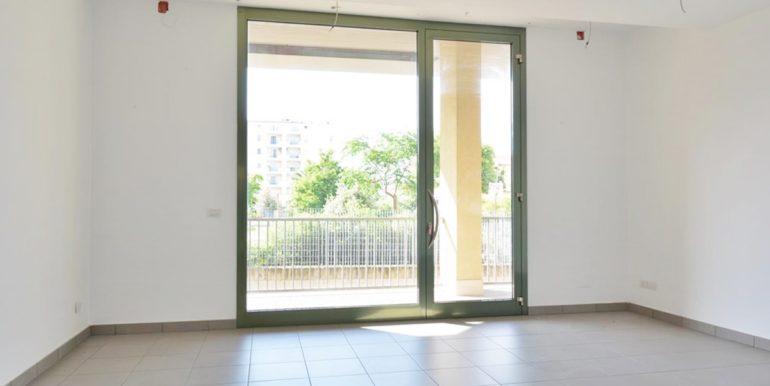 Realizza Casa - Montesilvano Locale Commerciale Via Verrotti 07