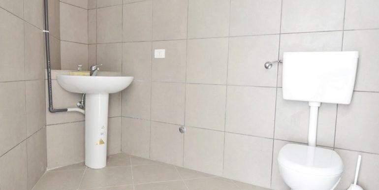 Realizza Casa - Montesilvano Locale Commerciale Via Verrotti 08