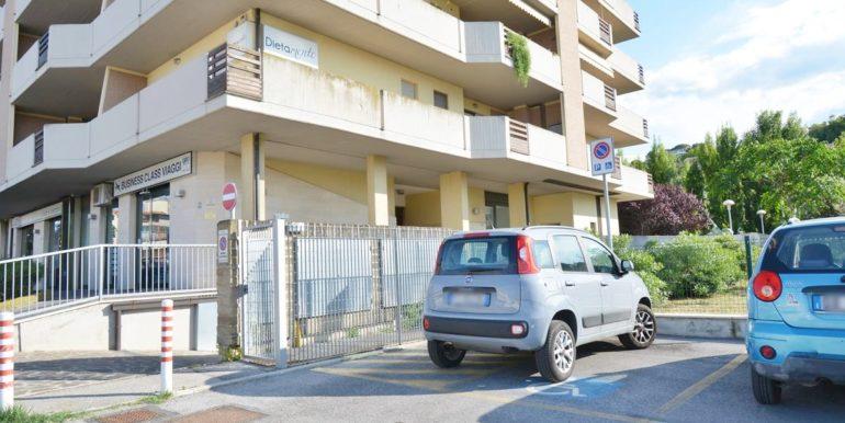 Realizza Casa - Montesilvano Locale Commerciale Via Verrotti 15