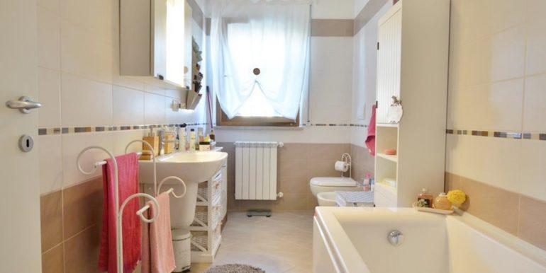 Realizza Casa - Residence Turenum Montesilvano Trilocale Arredato a Reddito 08