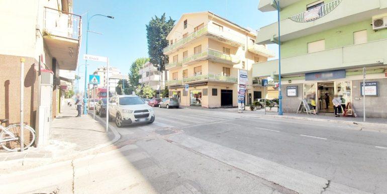 Realizza Casa - Montesilvano Centro appartamento attico 7 locali00