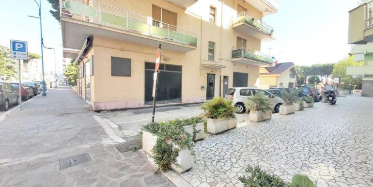 Realizza Casa - Montesilvano Centro appartamento attico 7 locali0A