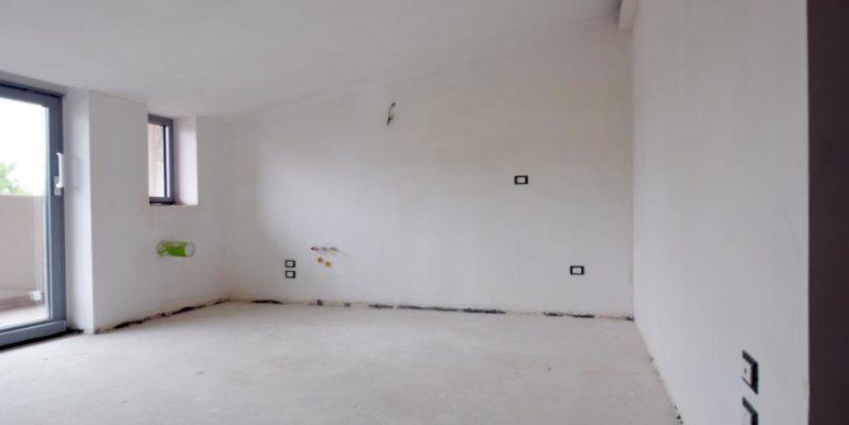 Realizza Casa - Pescara palazzo Lithos Trilocale mansardato 001