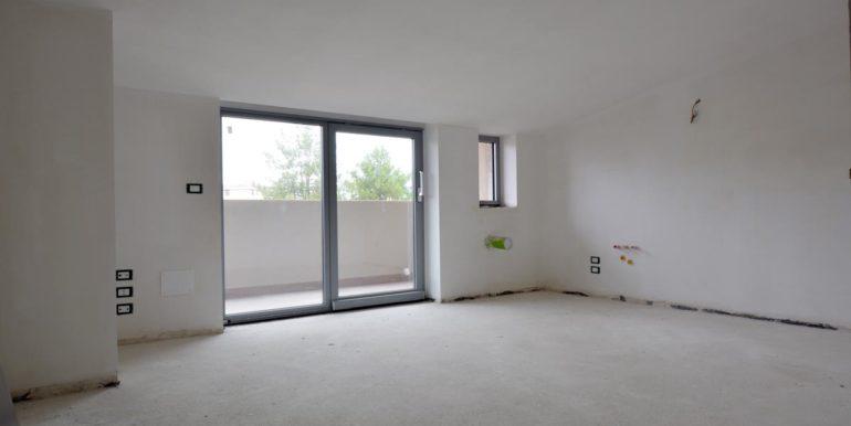 Realizza Casa - Pescara palazzo Lithos Trilocale mansardato 002