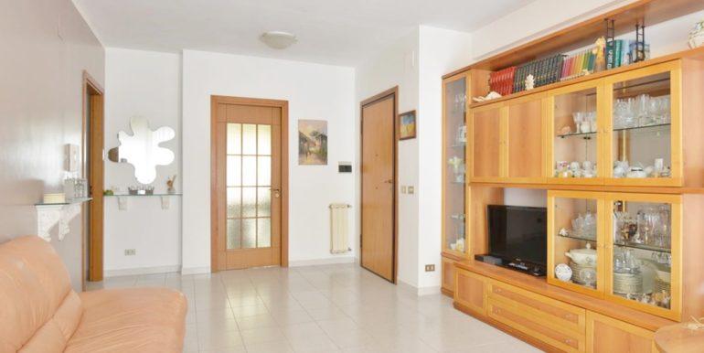 Realizza Casa Montesilvano Zona Bingo Appartamento ampia metratura 01