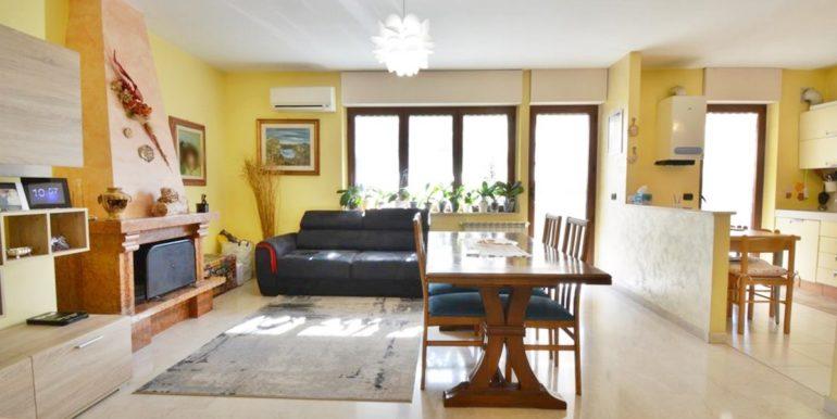 Realizza Casa Montesilvano Zona Santa Filomena tre camere 01