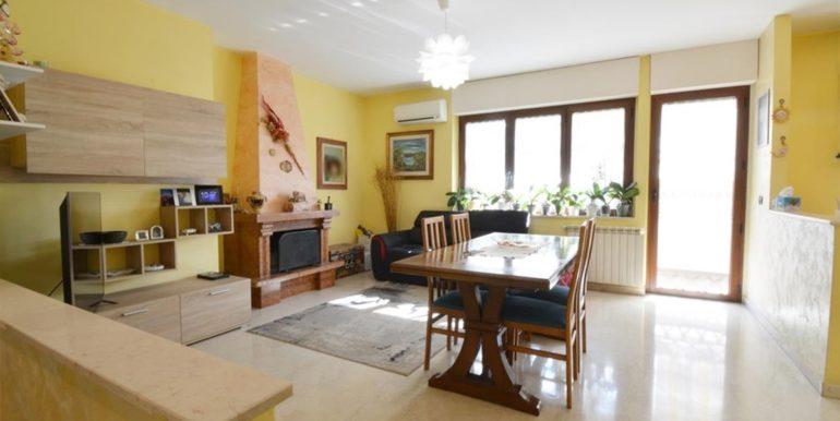 Realizza Casa Montesilvano Zona Santa Filomena tre camere 02