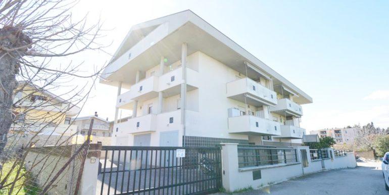 Realizza Casa Garage Montesilvano Zona Vestina 13