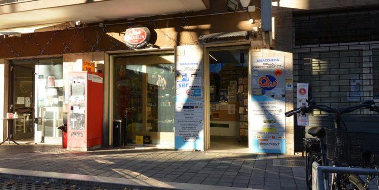Realizza Casa - Pescara Portanuova Tabaccheria 002