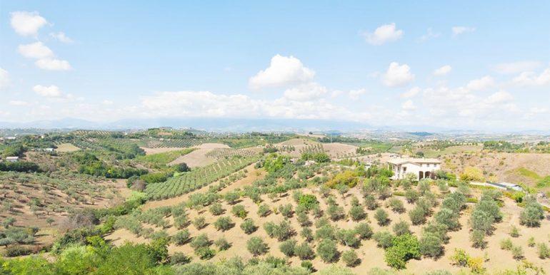 Realizza Casa Spoltore Quadrilocale con terrazzo panoramico 22