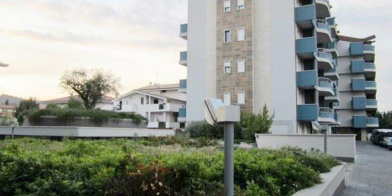Realizza Casa Residence Turenum Montesilvano Attico Trilocale Arredato a Reddito 03