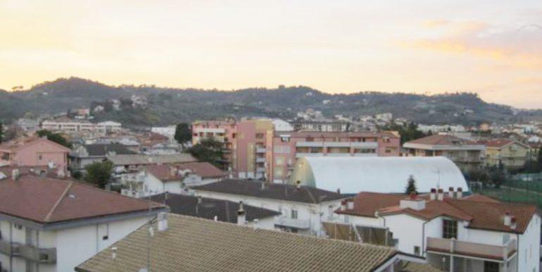 Realizza Casa Residence Turenum Montesilvano Attico Trilocale Arredato a Reddito 12